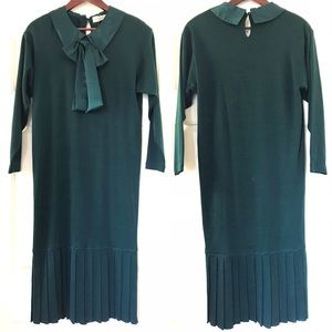 Vintage Leslie Fay green handmaid's dress NWT